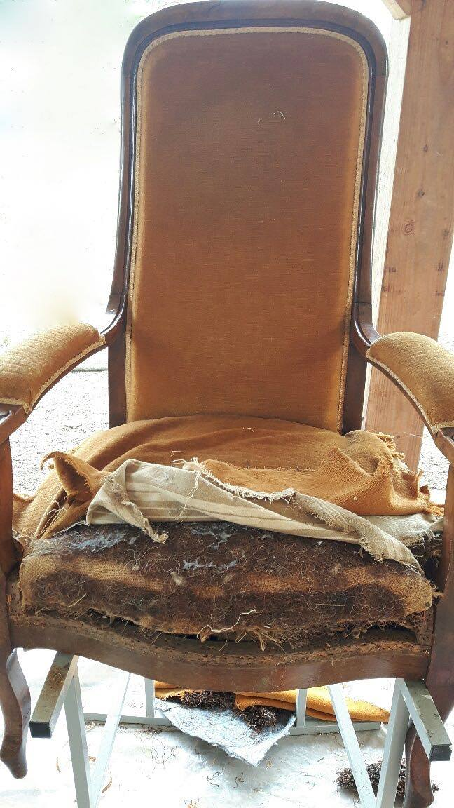 La marquise tapissier d corateur cr ation d 39 abat jours - Restauration fauteuil voltaire ...