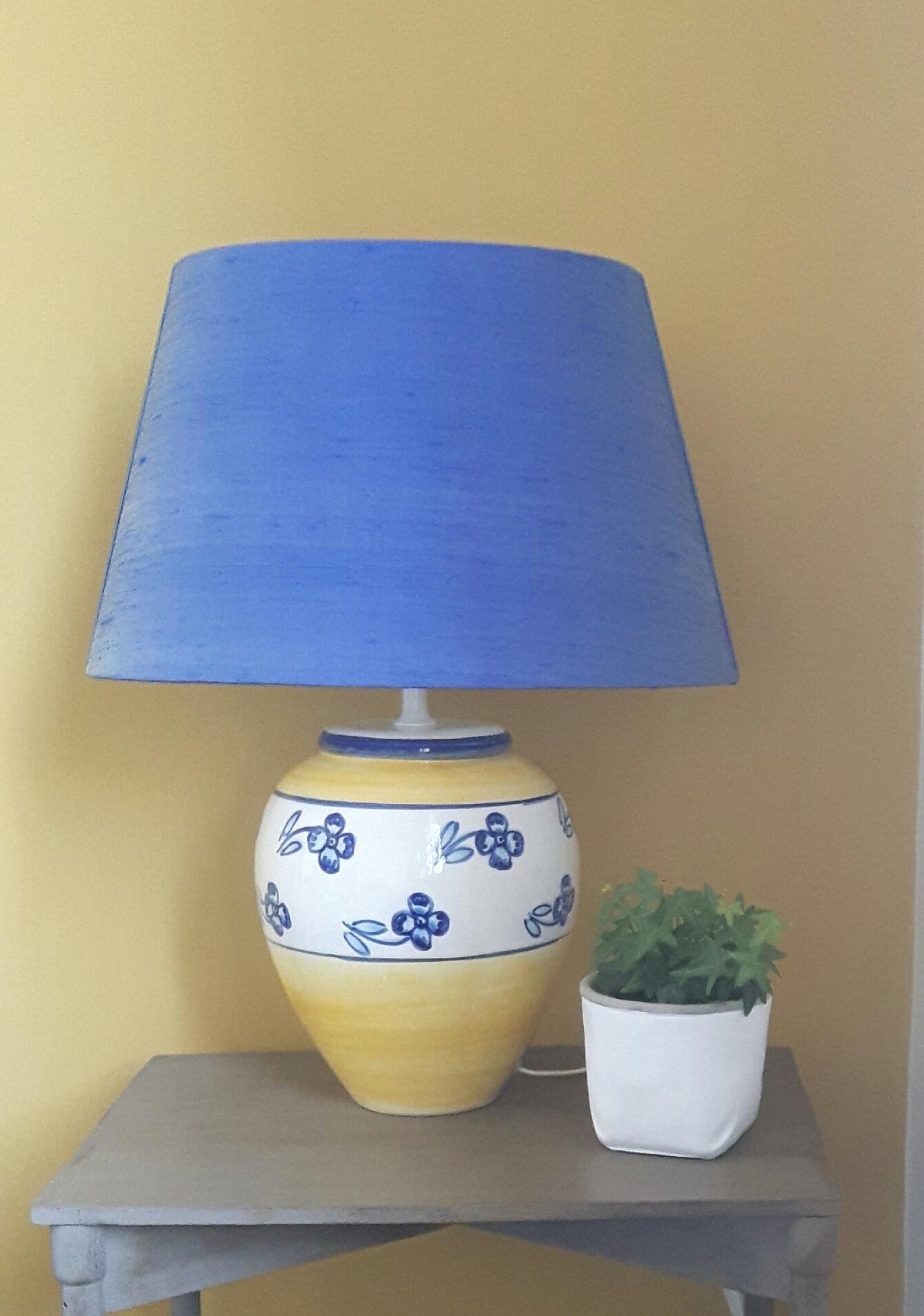 la marquise tapissier d corateur cr ation d 39 abat jours. Black Bedroom Furniture Sets. Home Design Ideas