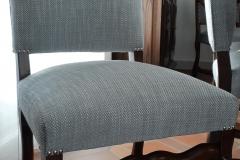 bordeaux-tapissier-decorateur-artisan-couverture-chaise-salle-à-manger-louis-XIV-tissu-ameublement-editeur-aquitaine1