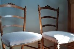 chaise-ancienne-restaure-tapissier-decorateur-couverture-tissu-editeur-galon-clous-bordeaux-gironde2