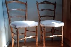 chaise-ancienne-restaure-tapissier-decorateur-couverture-tissu-editeur-galon-clous-bordeaux-gironde3