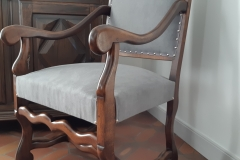 bordeaux-fauteuil-louis-XIV-recouverture-artisan-tapissier-decorateur-tissu-ameublement-editeur-aquitaine1