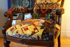 bordeaux-tapissier-decorateur-artisan-fauteuil-voltaire-tissu-christian-lacroix-aquitaine