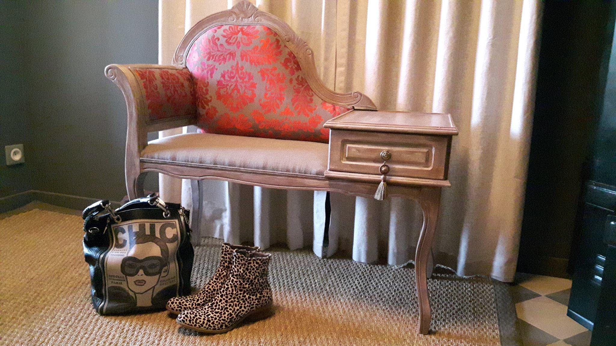 Langon – Rénovation meuble téléphone – Liseuse – patine sur bois