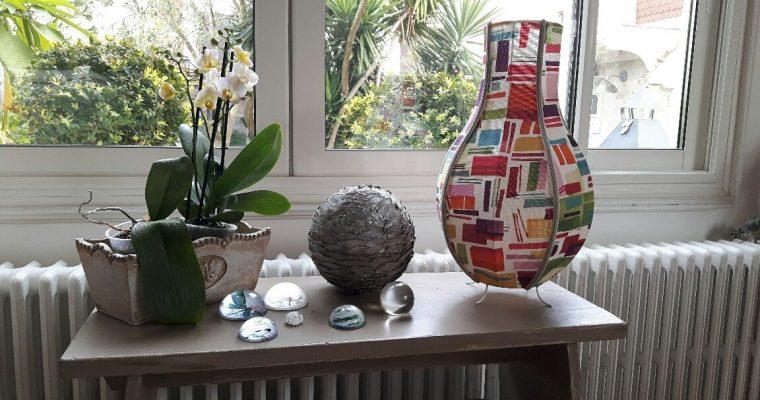 Lampe à poser, inspirée d'un vase chinois
