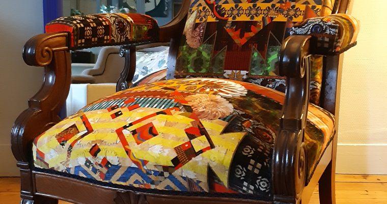 artisan tapissier décorateur – fauteuil voltaire – tissu Christian Lacroix