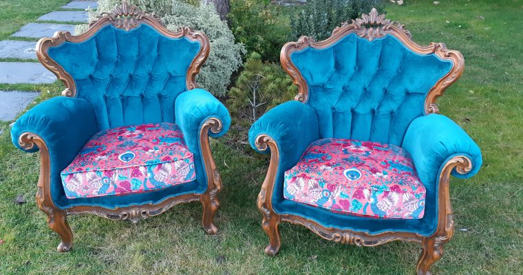 artisan tapissier décorateur – Bergères capitonnées – Tissu Animalia Clarke&Clarke
