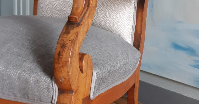 Bègles – Bordeaux Artisan-tapissier décorateur- fauteuil voltaire à oreilles