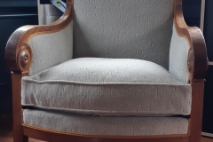Fauteuil-Bergere-coussin-Empire-removation-tapissier-decorateur-artisan-gironde