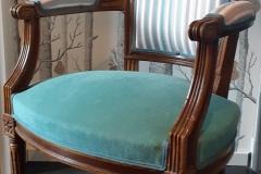 fauteuil-cabriolet-style-louis XVI-tapissier-decorateur-renovation-restauration-artisan-aquitaine-33000
