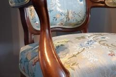 rénovation-fauteuil-Louis-phillips-tissu-editeur-artisan-tapissier-decorateur-gironde1