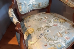 rénovation-fauteuil-Louis-phillips-tissu-editeur-artisan-tapissier-decorateur-gironde2