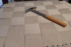 artisan-tapissier-renovation-fauteuil bergere-style-empire-savoir-faire-traditionnelle-maud-salles-atelier-la-marquise-gironde-aquitaine
