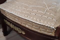artisan-tapissier-renovation-fauteuil bergere-style-empire-savoir-faire-traditionnelle-maud-salles-atelier-la-marquise-gironde-aquitaine3