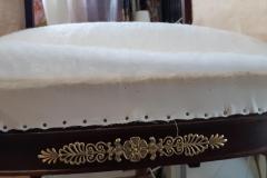 artisan-tapissier-renovation-fauteuil- bergere-style-empire-savoir-faire-traditionnelle-maud-salles-atelier-la-marquise-gironde-aquitaine7