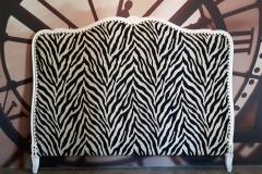 tete-de-lit-tissu-zebre-clous-tapissier-couverture-bordeaux-gironde