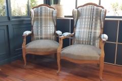fauteuil-voltaire-rayures-tapissier-decorateur-renovation-restauration-artisan-gironde