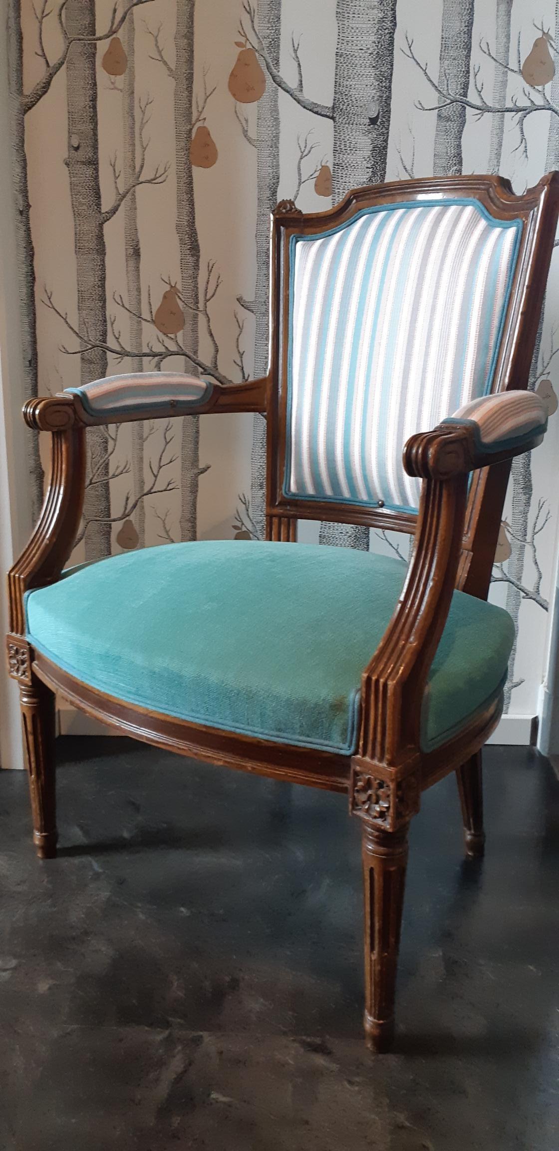 Cabriolet de style Louis XVI – Rénovation – Tapissier Décorateur